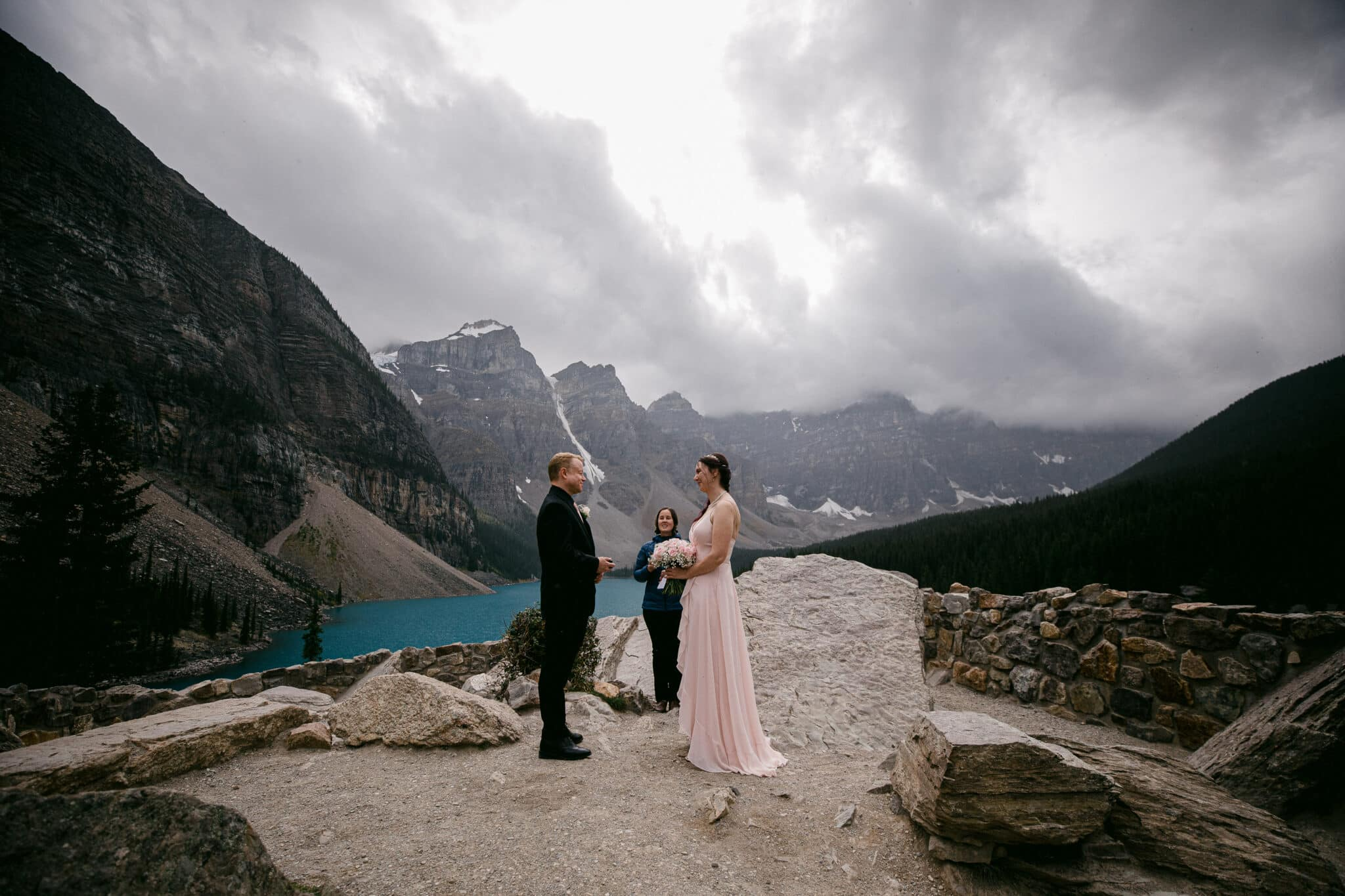 Moraine-Lake-Elopement